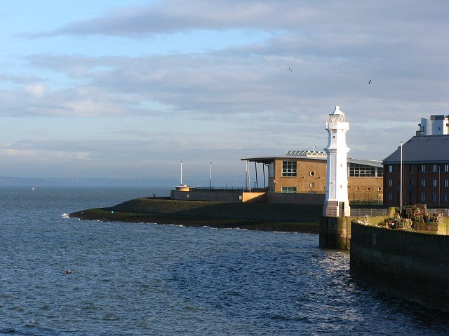 Lighthouse, Newhaven harbour