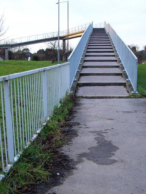 Footbridge over A2990