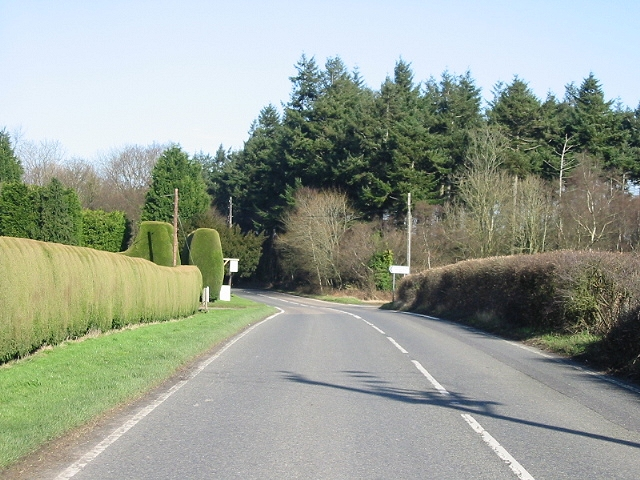 View along the Stone Street and golf course entrance