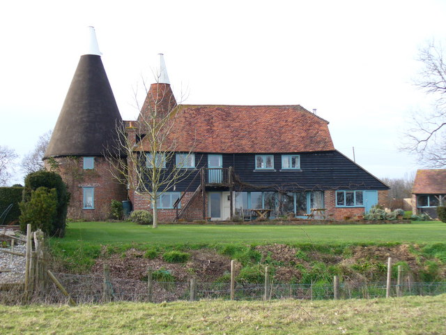 Converted Oast House, by Hancox, Woodmans Green