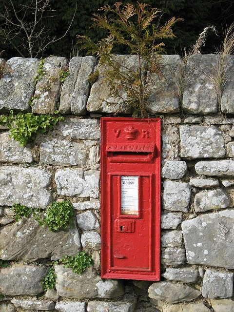 Post box, Abercorn
