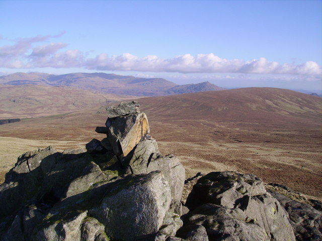 Summit Cairn, Yoadcastle