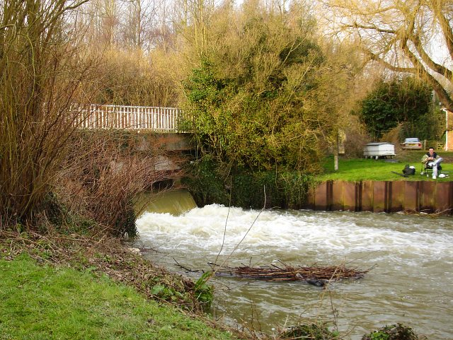 The sluice at Chilham Mill