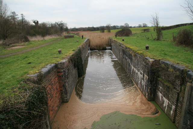 Lock 4, Droitwich Canal