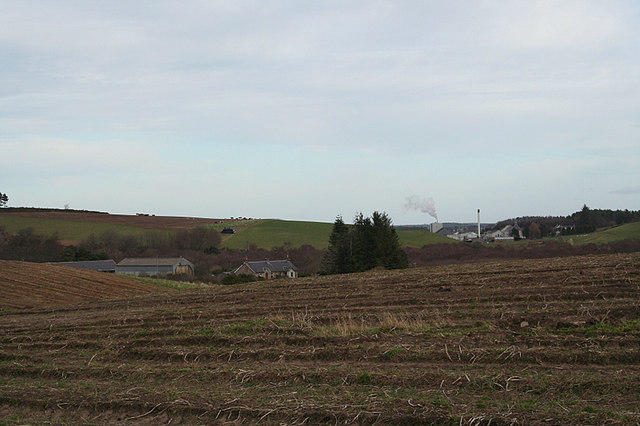 Upper Bogside Farm and the distillery at Thomshill.