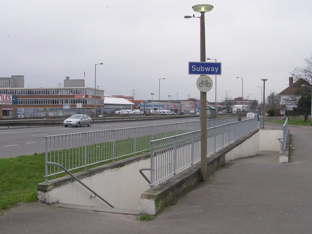 Subway ramp north of the A3024 dual carriageway, Millbrook