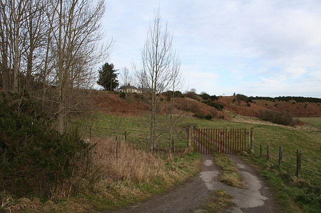Pumping station track near Easter Kellas.