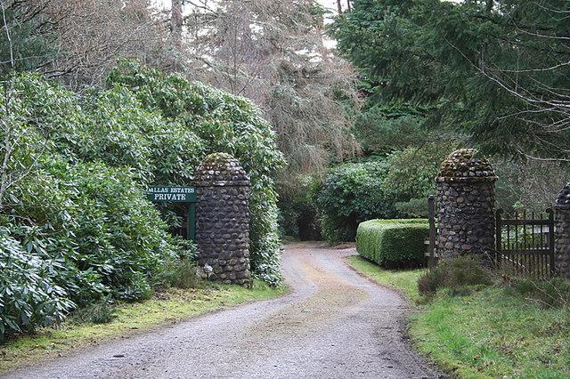 Gateway to Mulundy Lodge
