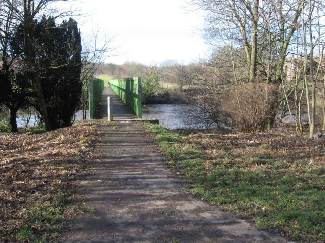 Clyde Walkway crosses the Clyde at Green Bridge
