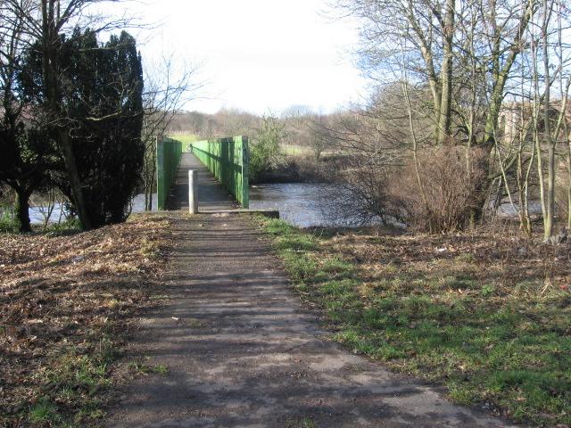 Clyde Walkway crosses the Clyde at Green Bridge