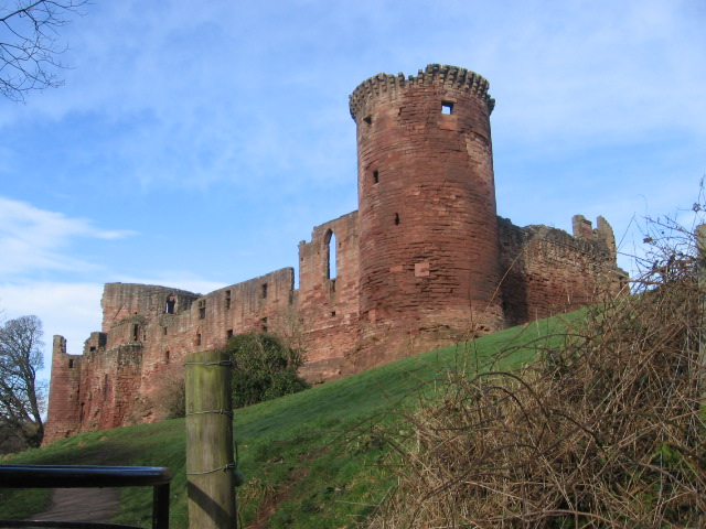 Bothwell Castle from the Clyde Walkway
