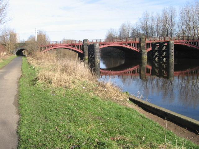 Clyde Walkway and Railway bridge near Dalmarnock