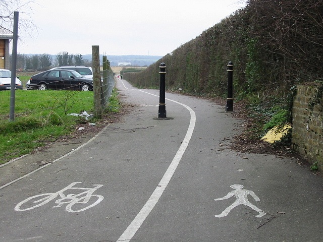 Footpath and cycle track into Canterbury from the Simon Langton boys school