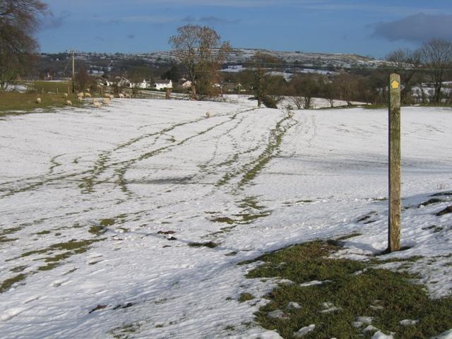 Footpath to Llanarmon yn Ial