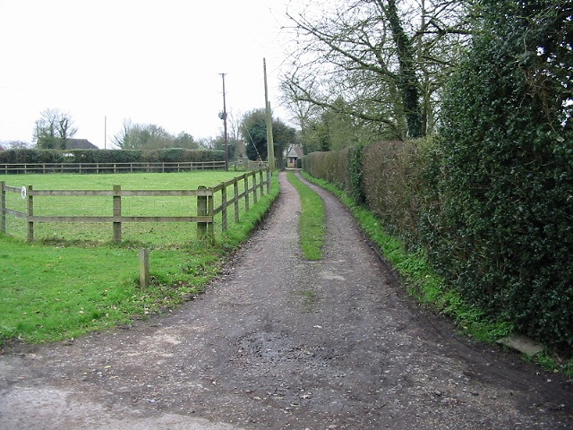 Driveway and footpath, Anvil Green