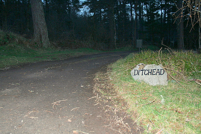 The sign on the lane to Ditchead.