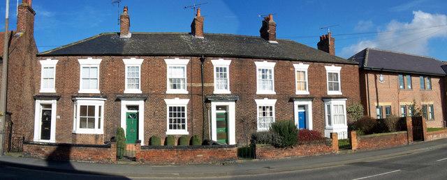 Terraced Houses on Holydyke