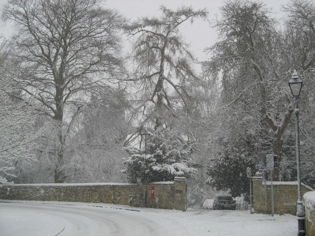 Ruskin Hall in the snow