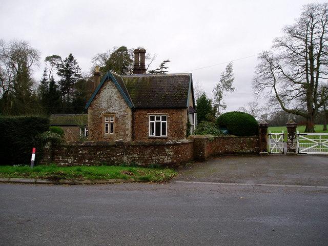 Gatehouse of the Clinton Estate, Merton