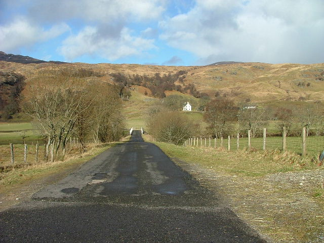 Road to Innishewan Farm