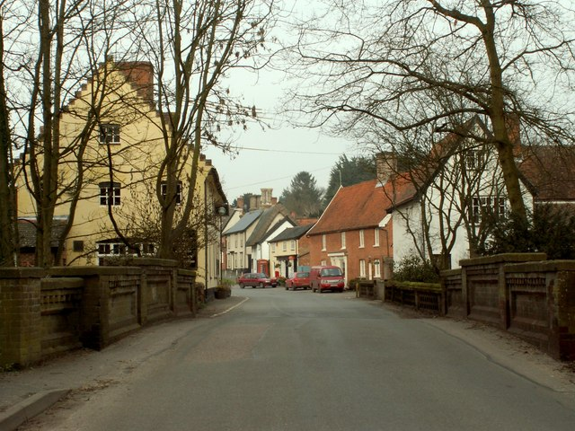 Hoxne village, viewed from Swan Bridge