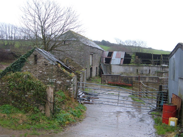 Derelict Farm Buildings at Tregunnick
