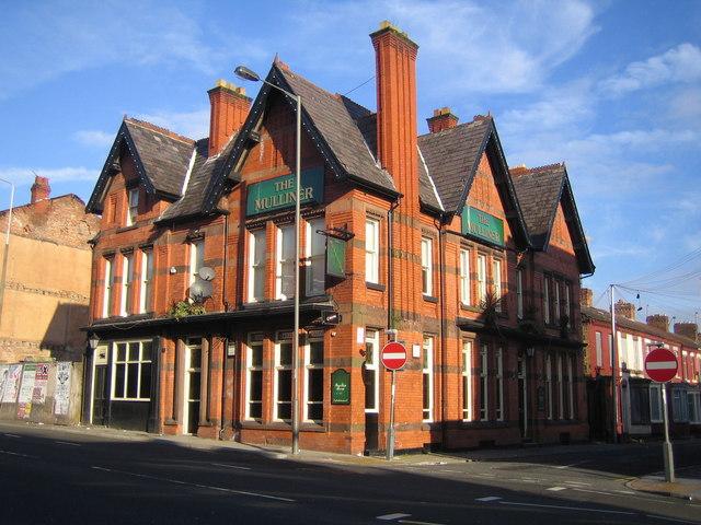 Liverpool: The Mulliner Public House, Edge Hill, L7