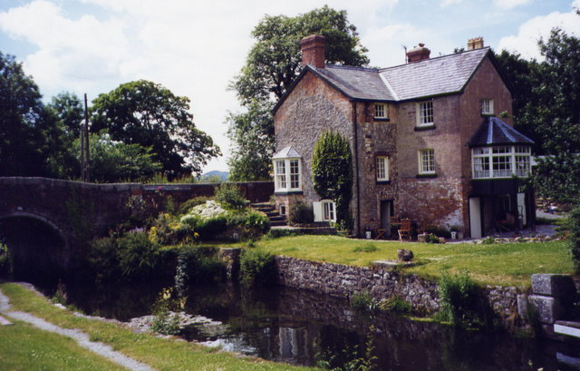 House beside the Montgomery Canal