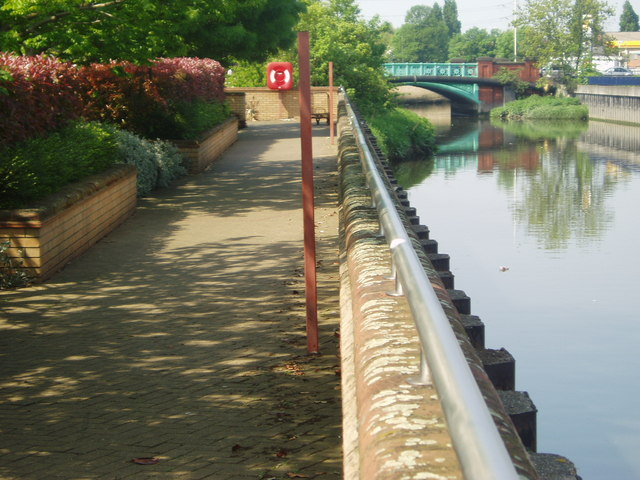Bridge over the River roding