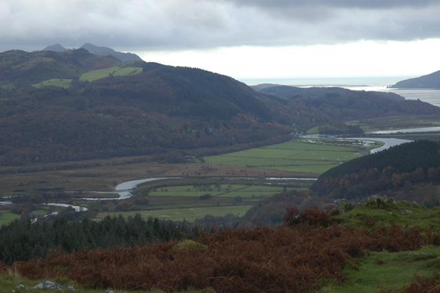 Distant view of South Bank, Fairbourne.