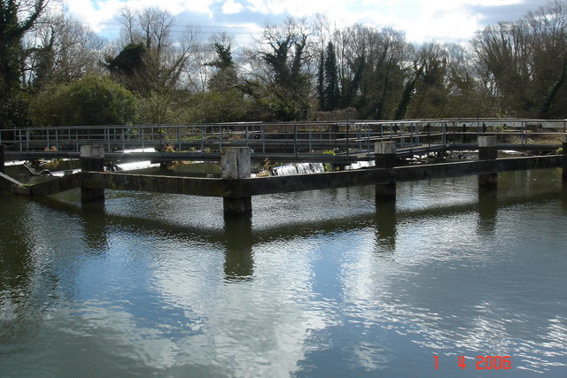 King's Weir, Turnford