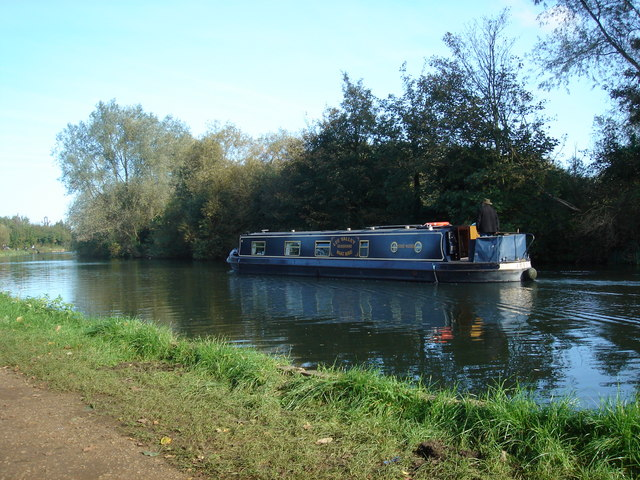 Narrowboat on the River Lea