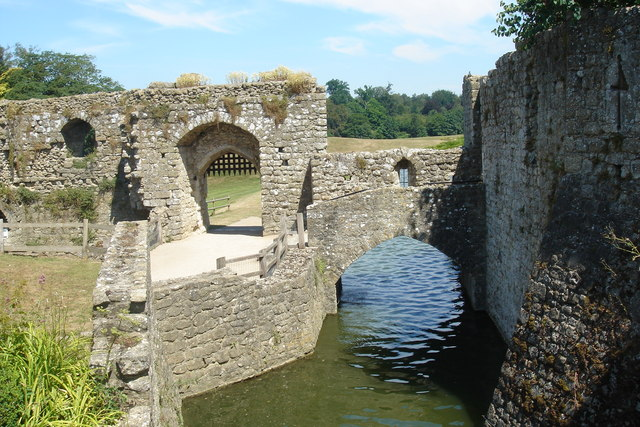 Bridge over the moat at Leeds Castle