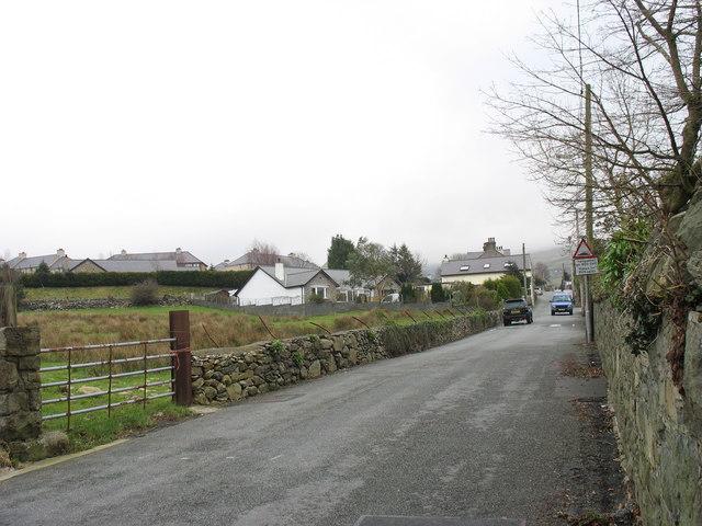 The Clwt y bont road