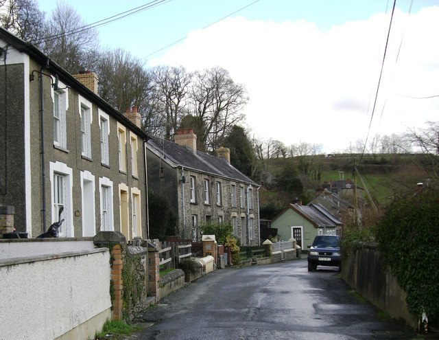 Drefelin village street