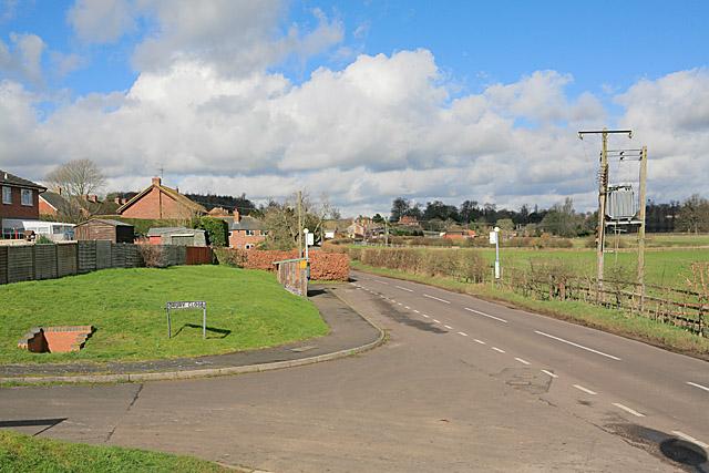 Entering Hurstbourne Priors on the B3048