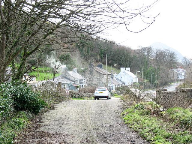 The roadside hamlet of Gyrn Goch from Pont y Felin