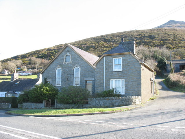 Former Capel Seion (MC) and chapel house, Gyrn Goch