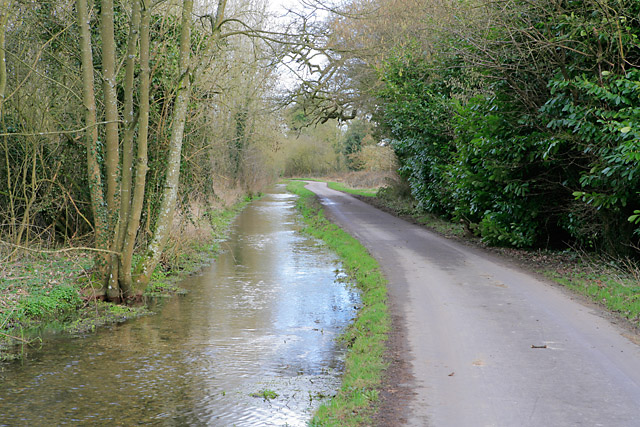Road and water course east of Upper Mill, Longparish