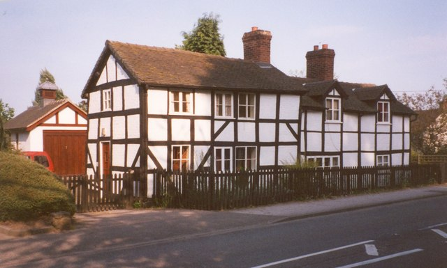 Houses, Shrewsbury Road, Hodnet