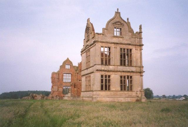 The Elizabethan wing, Moreton Corbet Castle