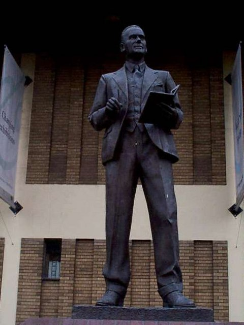 Reginald Mitchell Statue, Hanley