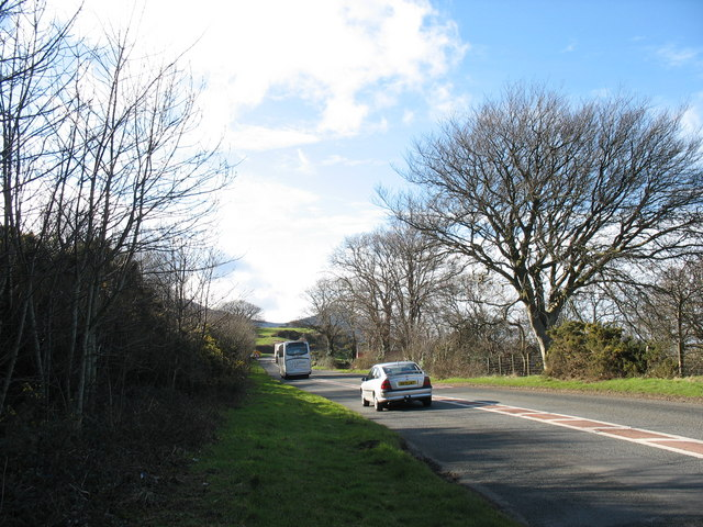 The busy and narrow A499 at Gyrn Goch