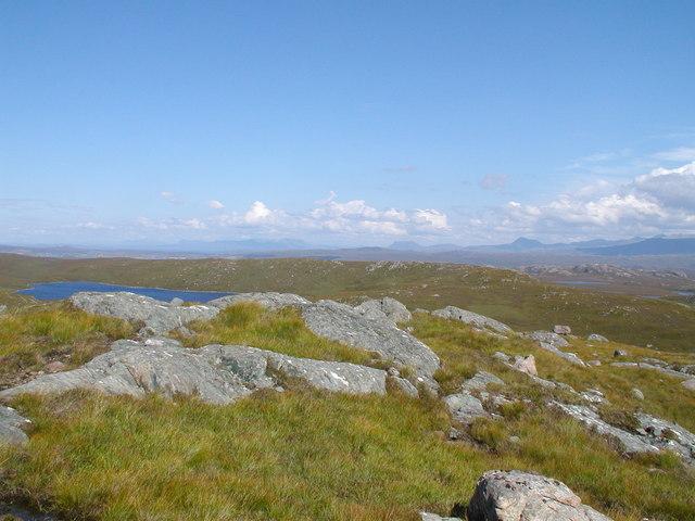 Loch nan Liagh to the Coigach Hills and An Teallach