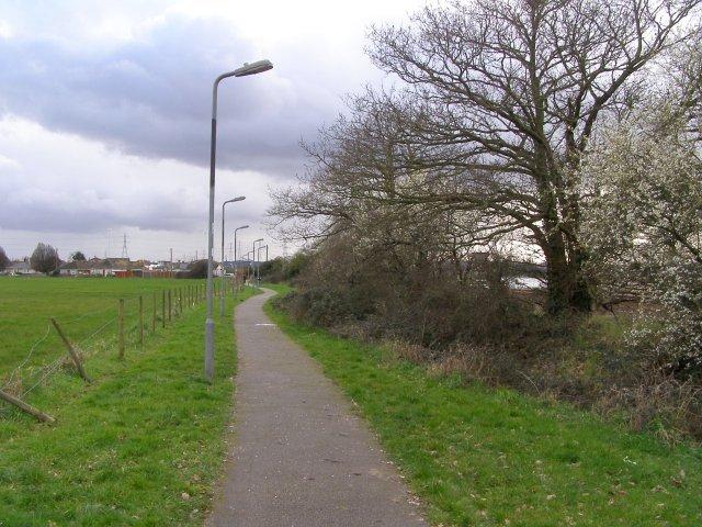 Footpath alongside Test Lane, Redbridge