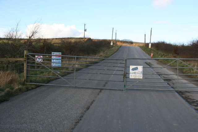 Private road to Tincornhill Quarry