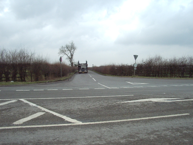 The Road to Upper Heyford from its junction with the B430