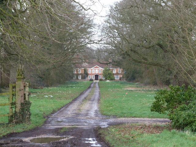 Tacolneston Hall and Drive