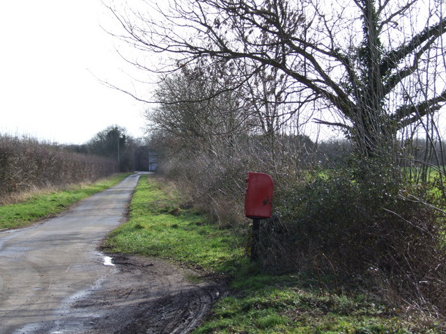 Leaning Post Box, Suton