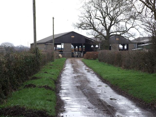 Manor Farm, Fundenhall Street